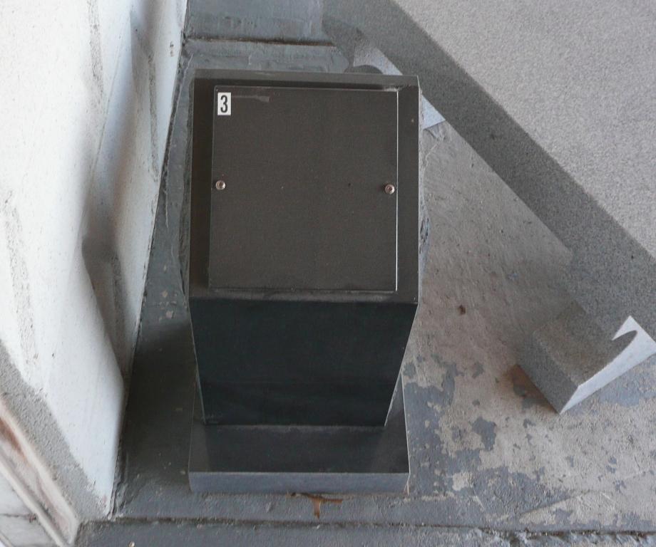 Jet Black Single Cremation Column